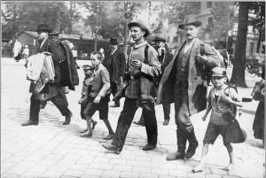 1024px-Berlin_August_1914