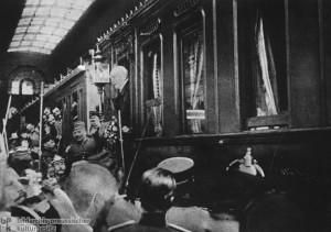 Geschichte / Deutschland / 19. Jh. / Bismarck / Nach seiner Entlassung / Abreise